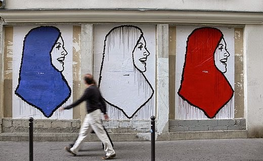 fresque-hijab-france-source-france24