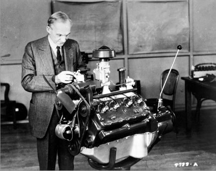 Henry-Ford-with-Ford-V8-1932